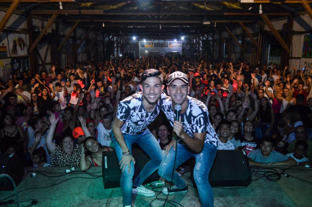 700 personas bailaron al ritmo de Chipote